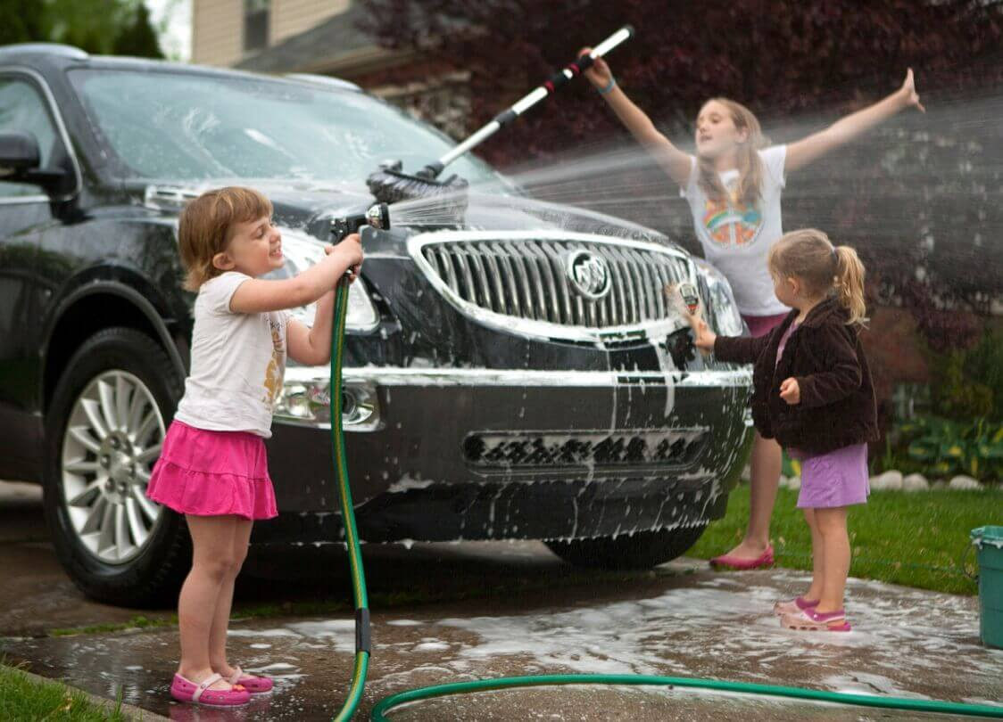 General Motors Suggests Washing Car As Mothers Day Gift 44801 1